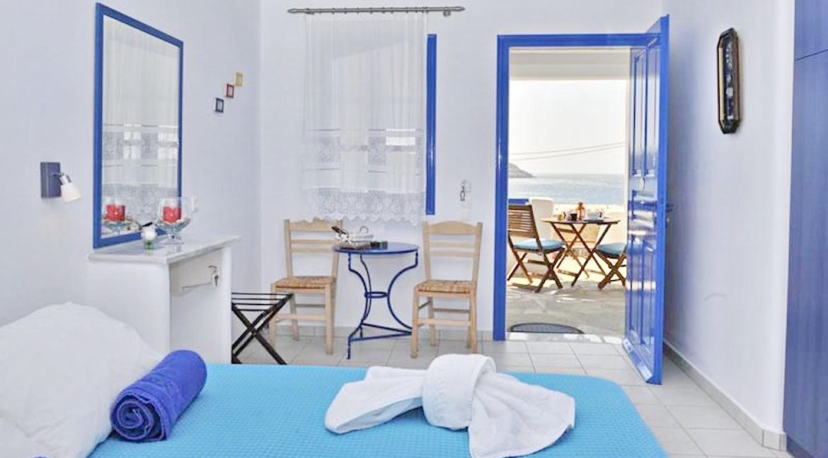 Seafront Villa in Antiparos in Cyclades Greece, Antiparos Real Estate, Antiparos Villa for Sale, Beachfront Property in Cyclades 5