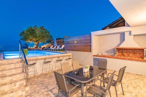 Seafront Villa in Zakynthos, Beachfront Villa in Zakynthos for sale, Zante villa on the beach, Zante Real Estate, Zakynthos Realty 10