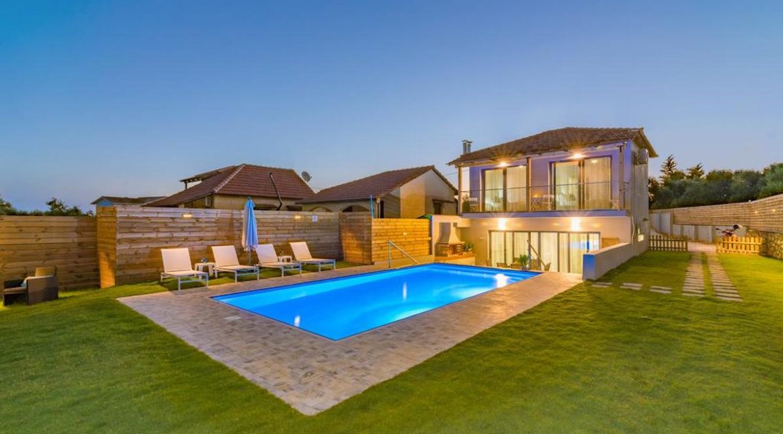 Seafront Villa in Zakynthos, Beachfront Villa in Zakynthos for sale, Zante villa on the beach, Zante Real Estate, Zakynthos Realty 12