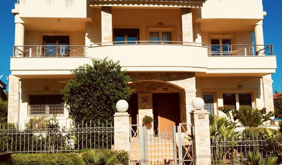 Villa in Ano Voula, Premium South Athens Suburb