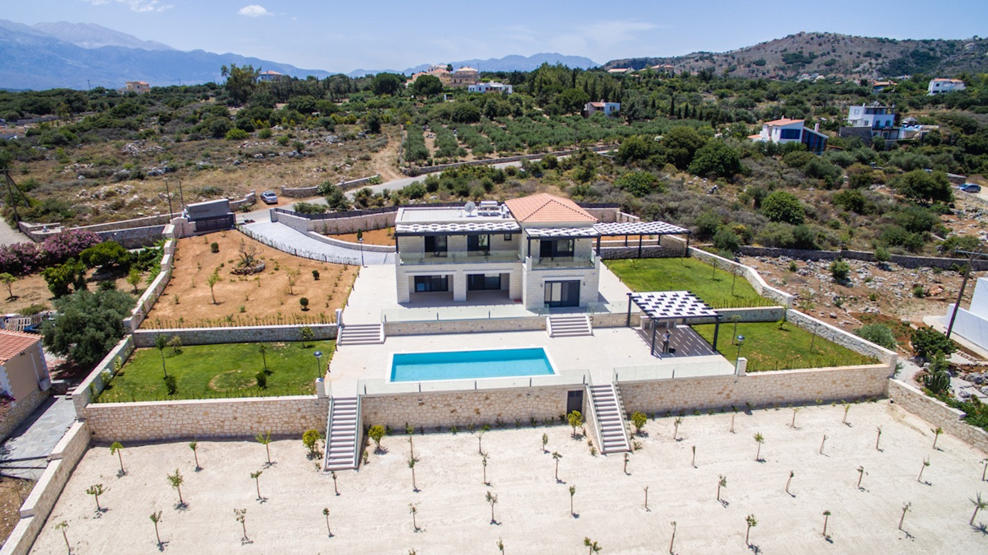 Beautiful villa in Chania Crete with pool