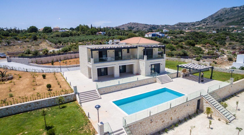 Beautiful villa in Chania Crete with pool, Luxury Estates in Crete, Property in Crete, Villas for sale in Crete, Real Estate in Crete 5