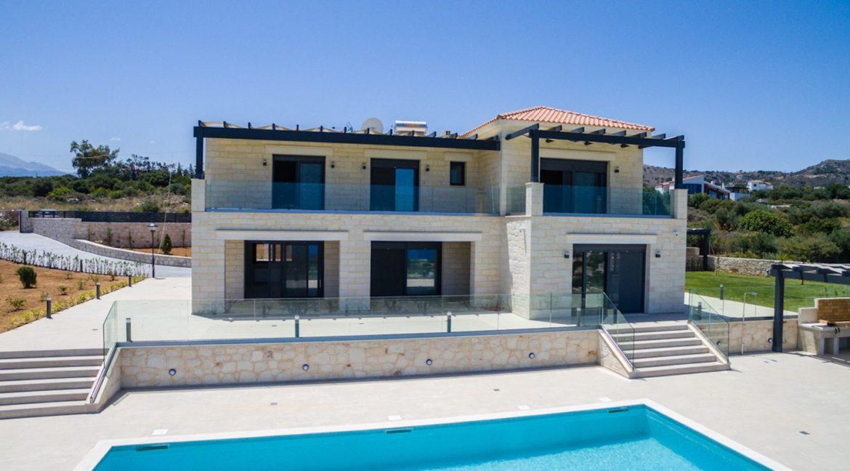 Beautiful villa in Chania Crete with pool, Luxury Estates in Crete, Property in Crete, Villas for sale in Crete, Real Estate in Crete 7