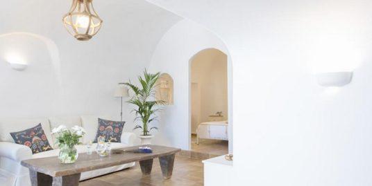House for sale in Santorini, in Karterados