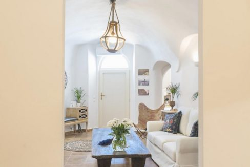 House for sale in Santorini, in Karterados 14