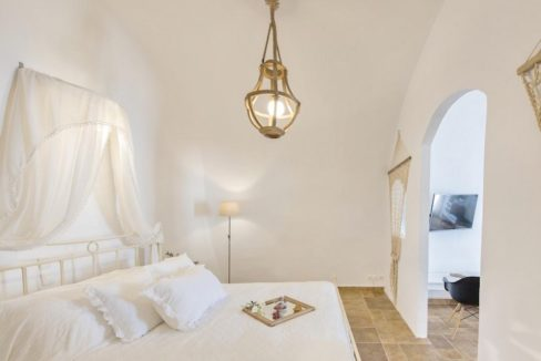 House for sale in Santorini, in Karterados 16