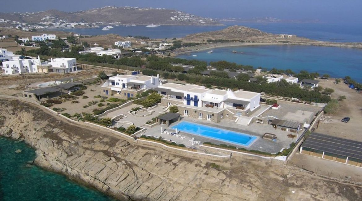 Luxury Estate in Mykonos, Beachfront, Villa of 950 sqm, Luxury Villas in Mykonos for Sale, Luxury Property Mykonos for sale 1