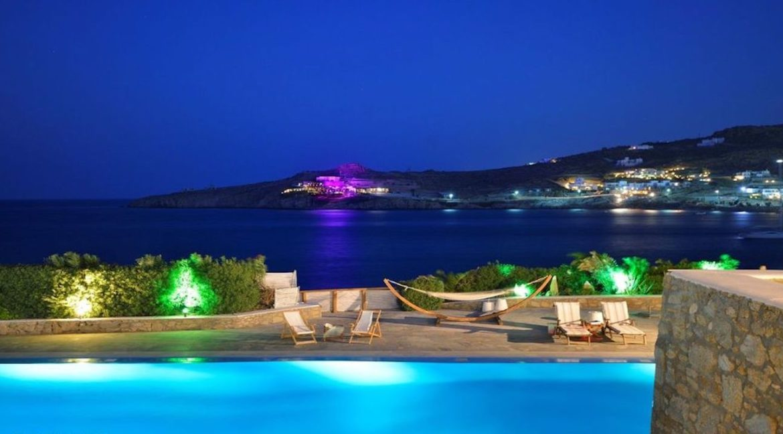 Luxury Estate in Mykonos, Beachfront, Villa of 950 sqm, Luxury Villas in Mykonos for Sale, Luxury Property Mykonos for sale 15