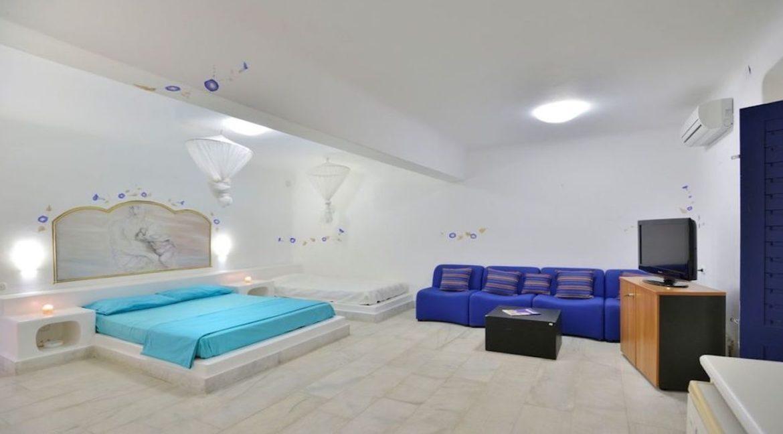Luxury Estate in Mykonos, Beachfront, Villa of 950 sqm, Luxury Villas in Mykonos for Sale, Luxury Property Mykonos for sale 2