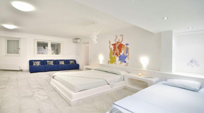 Luxury Estate in Mykonos, Beachfront, Villa of 950 sqm, Luxury Villas in Mykonos for Sale, Luxury Property Mykonos for sale 4
