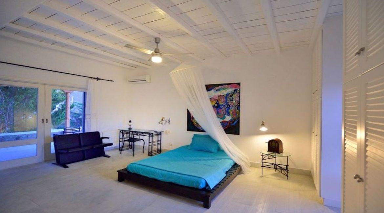 Luxury Estate in Mykonos, Beachfront, Villa of 950 sqm, Luxury Villas in Mykonos for Sale, Luxury Property Mykonos for sale 5