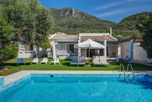 Villa by the sea in Corfu, Barbati, Homes in Corfu