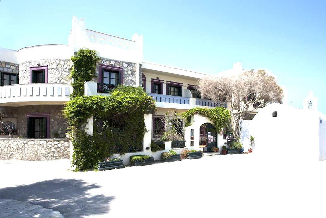 Hotel Naxos Greece for sale, 13 Rooms