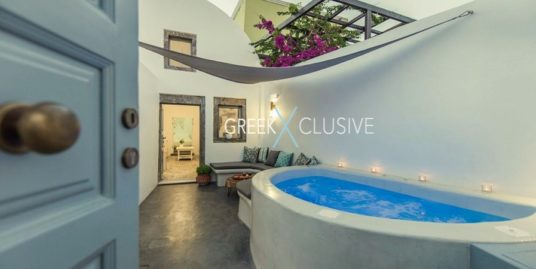 House at Santorini, Megalochori , Generates good Income from Rentals