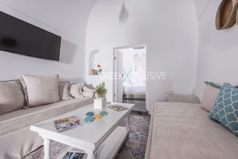 House at Santorini, Properties in Santorini 16