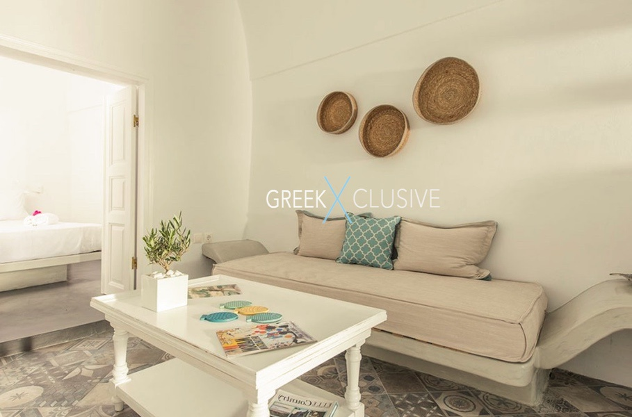 House at Santorini, Properties in Santorini 17