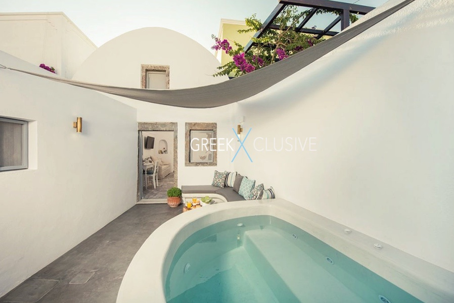 House at Santorini, Properties in Santorini 23