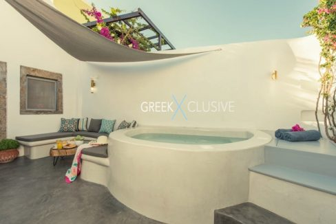 House at Santorini, Properties in Santorini 3
