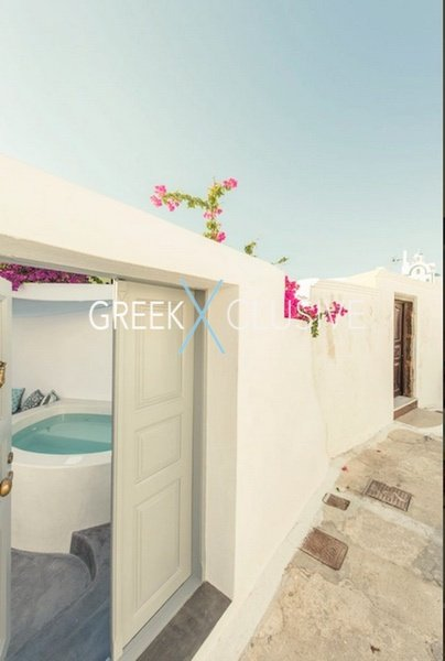 House at Santorini, Properties in Santorini 32