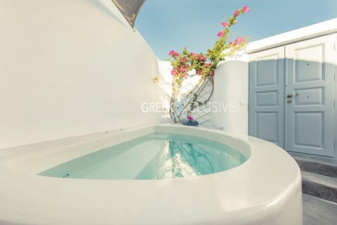 House at Santorini, Properties in Santorini 34