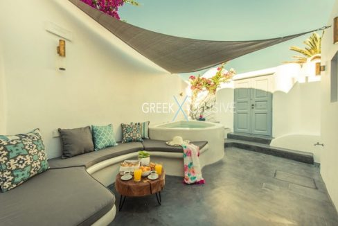 House at Santorini, Properties in Santorini 6