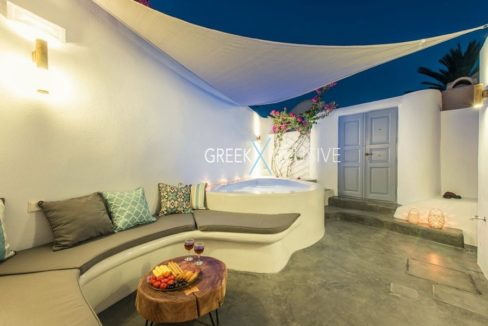 House at Santorini, Properties in Santorini 7