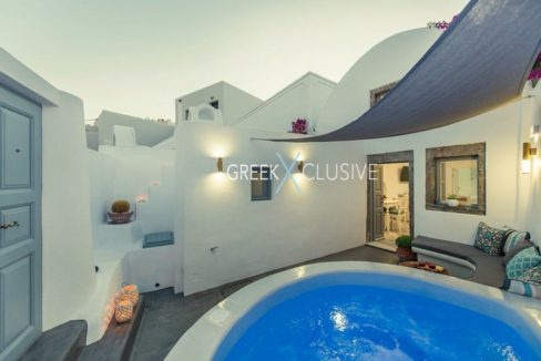 House at Santorini, Properties in Santorini 9