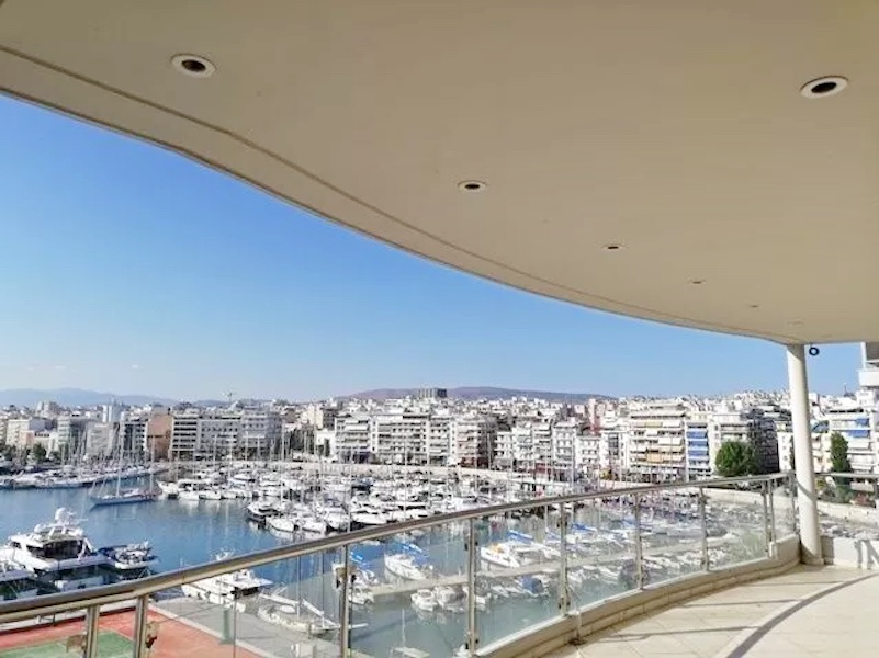 Luxury Seafront Apartment in Piraeus Athens 15