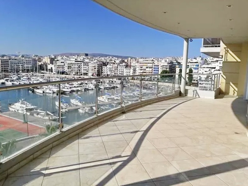 Luxury Seafront Apartment in Piraeus Athens 6