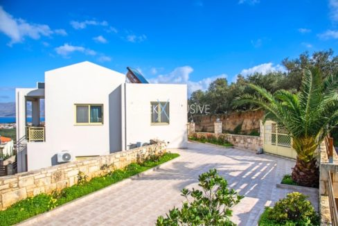 Luxury property for sale in Crete 11