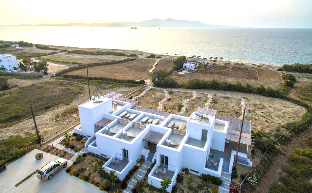 Seafront Hotel of 5 Luxury Maisonettes, Beach Bar on the sea, Naxos, Hotels for Sale in Greece