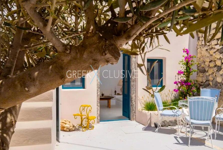 Cave House Santorini for Sale, Santorini Properties 1