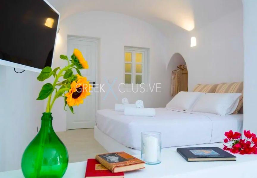 Cave House Santorini for Sale, Santorini Properties 14