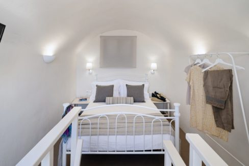 Cave House in Santorini, Cave House for Sale 16