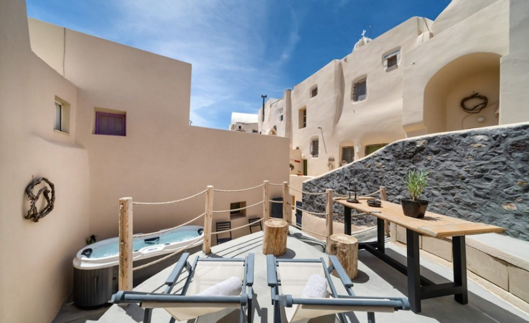 Cave House in Santorini, Cave House for Sale 17