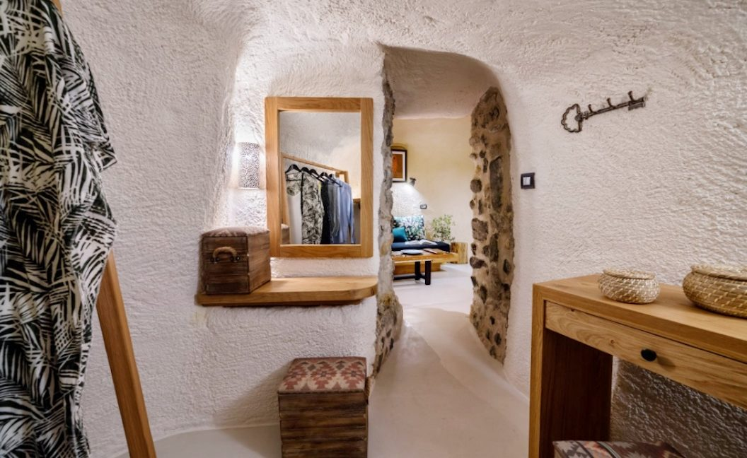 Cave House in Santorini, Cave House for Sale 25