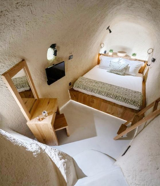 Cave House in Santorini, Cave House for Sale 4