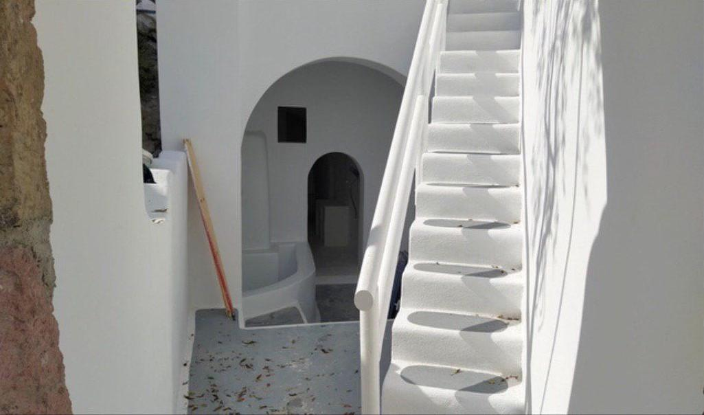 House for sale in Santorini , Akrotiri, Buy Property in Santorini 1