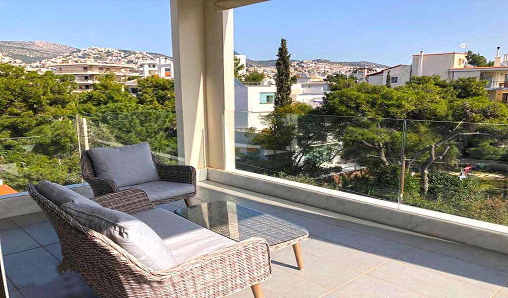 Luxury Roof Top Apartment in Voula