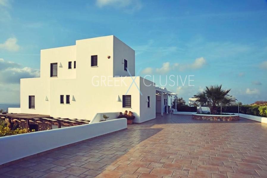 Luxury villa in Santorini for Sale, Real Estate Santorini 11
