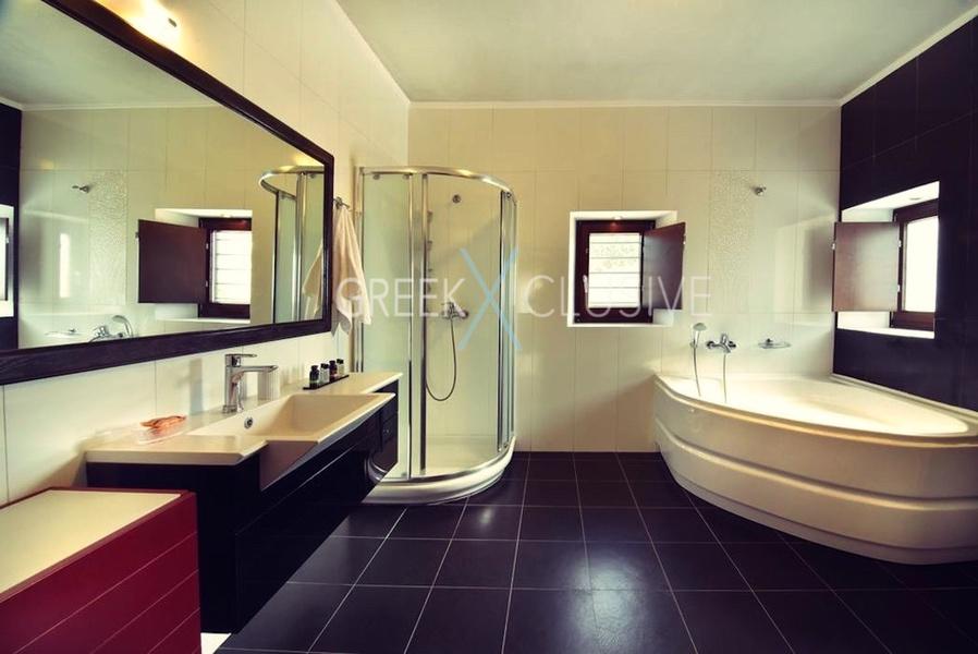 Luxury villa in Santorini for Sale, Real Estate Santorini 2