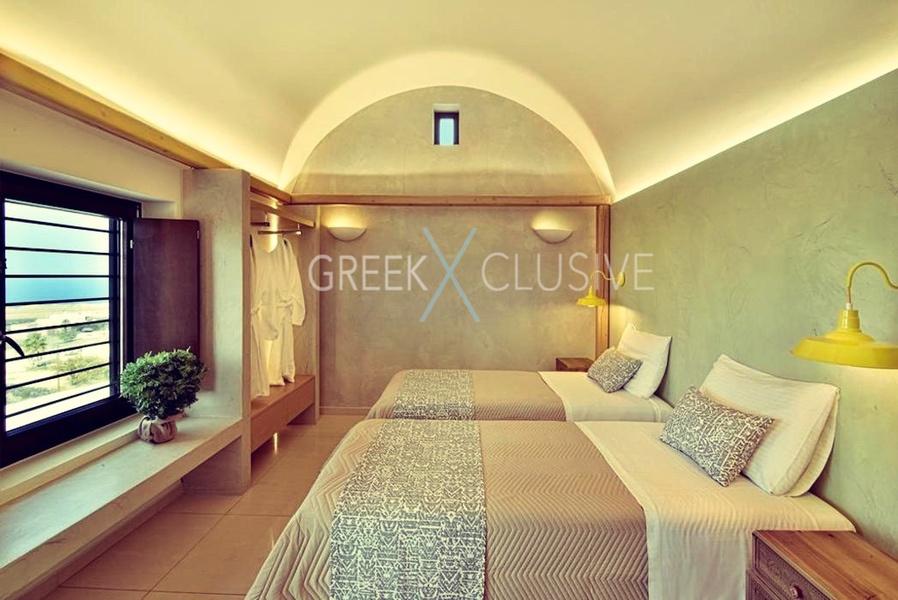 Luxury villa in Santorini for Sale, Real Estate Santorini 3