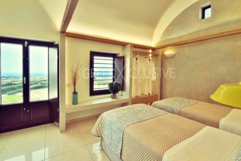 Luxury villa in Santorini for Sale, Real Estate Santorini 4