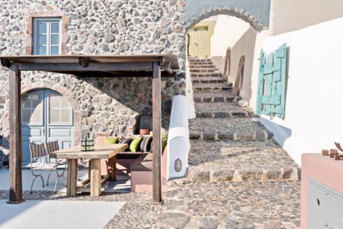 Property in Santorini, Pyrgos 12