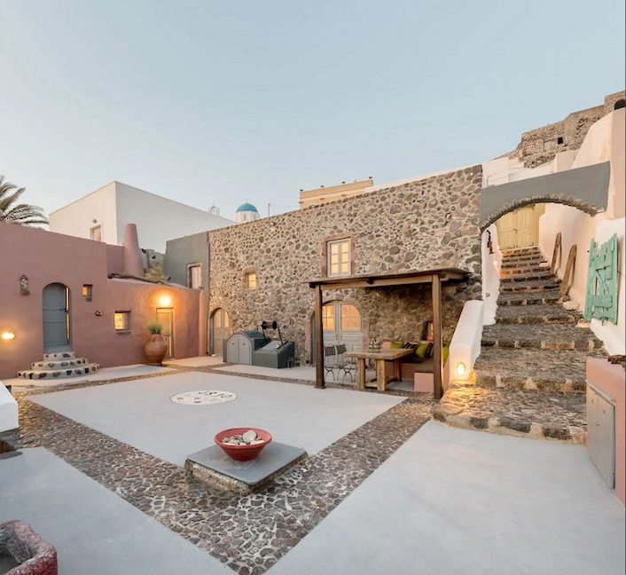 Property in Santorini, Pyrgos 14