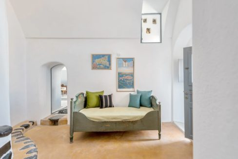 Property in Santorini, Pyrgos 2