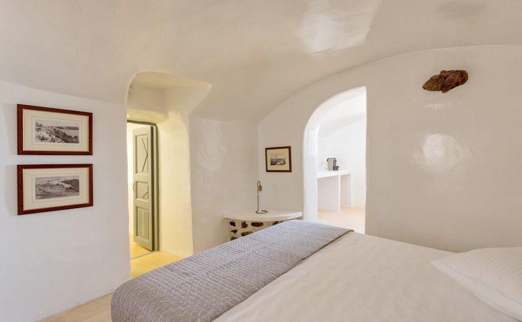 Property in Santorini, Pyrgos 3