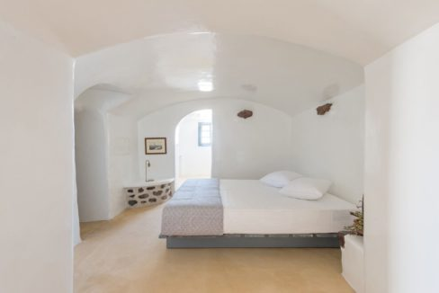 Property in Santorini, Pyrgos 4