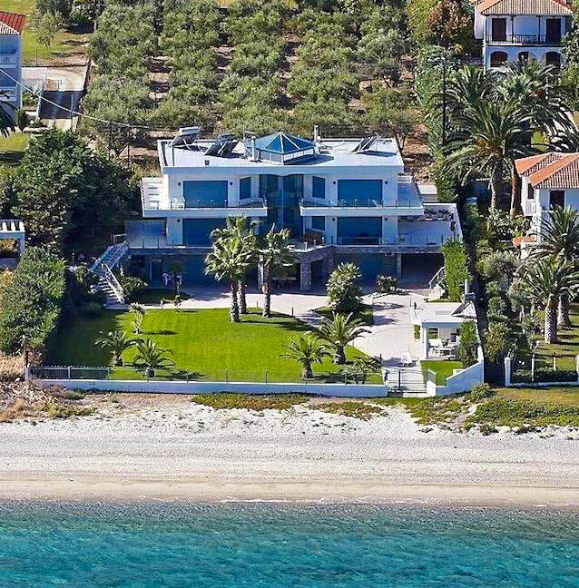 Beachfront Luxury Estate in Chalkidiki, Luxury Villa in Chanioti 10