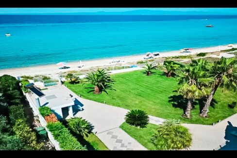 Beachfront Luxury Estate in Chalkidiki, Luxury Villa in Chanioti 15